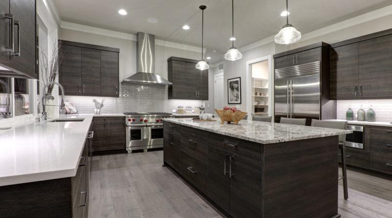 Comment aménager une grande cuisine avec salle à manger