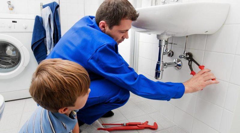 Que doit figurer sur une facture de plomberie ?