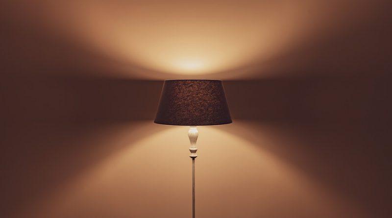 Les lampadaires tendances pour une décoration d'intérieur dans l'air du temps